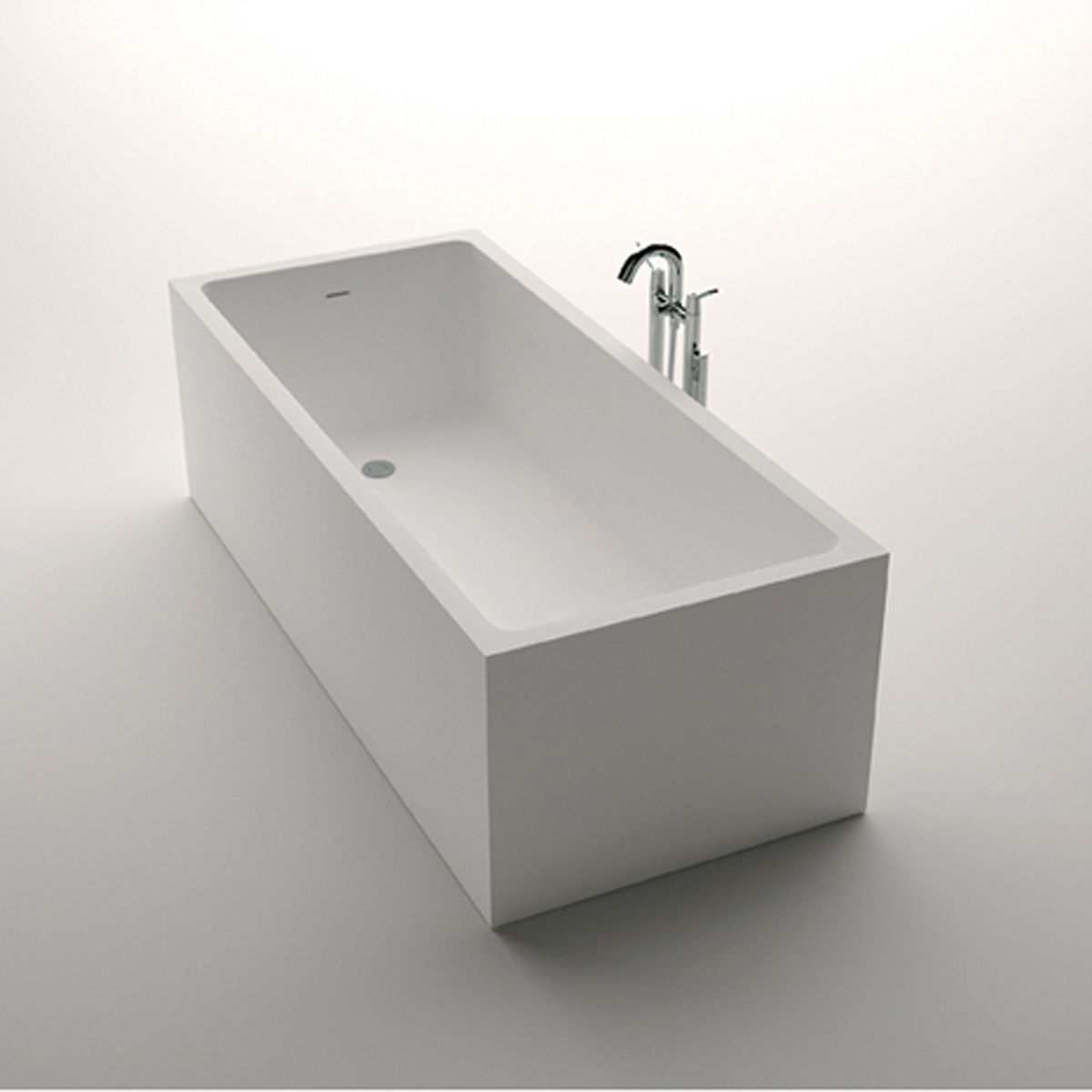 Don t be a square unless you re a bathtub hommemaker for Bathroom designs rectangular