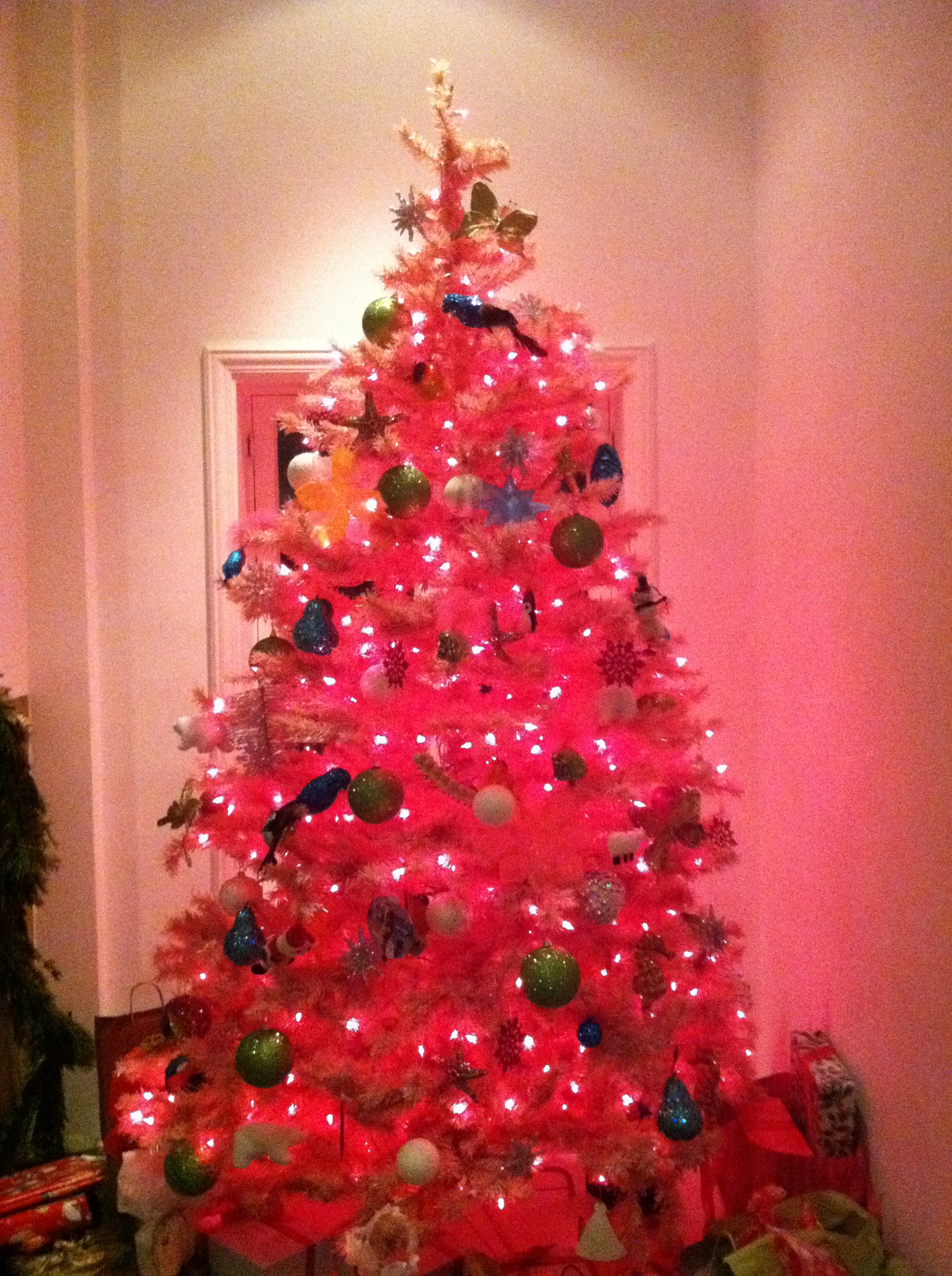 Pink Christmas Tree I also love that your tree