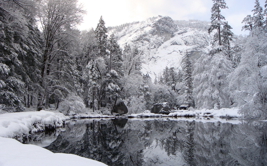 Wallpaper__Yosemite_Snowscape_by_abcdefghijkL0L