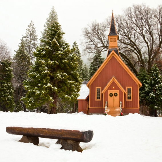 Yosemite_Chapel_in_Winter