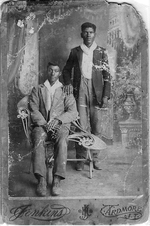 vintage-gay-couple-black