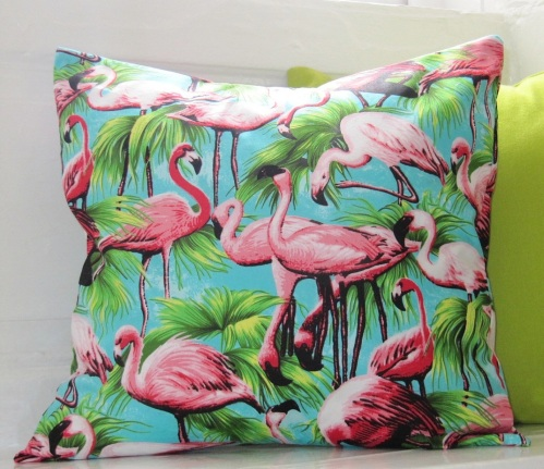 flamingo-pillow