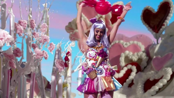California-Gurls-Music-Video-Katy-Perry-Screencaps-katy-perry-19335133-1248-704