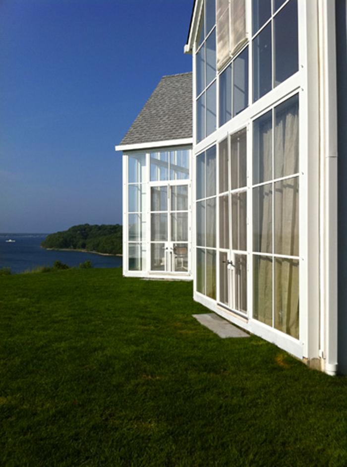 exterior-mid-century-home
