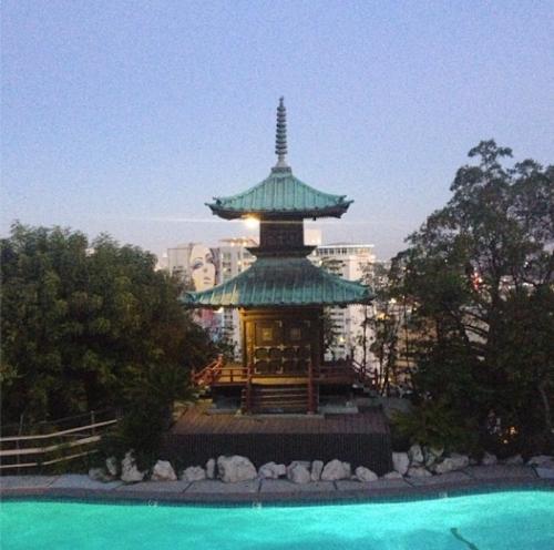 pagoda-pool