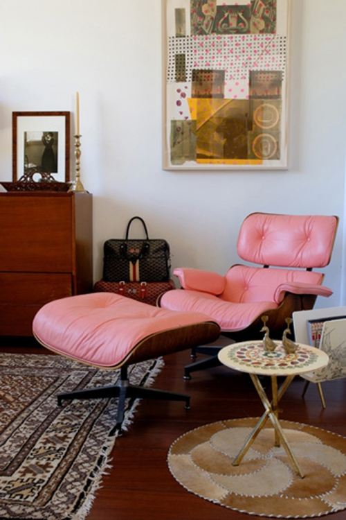 pink-eames-chair